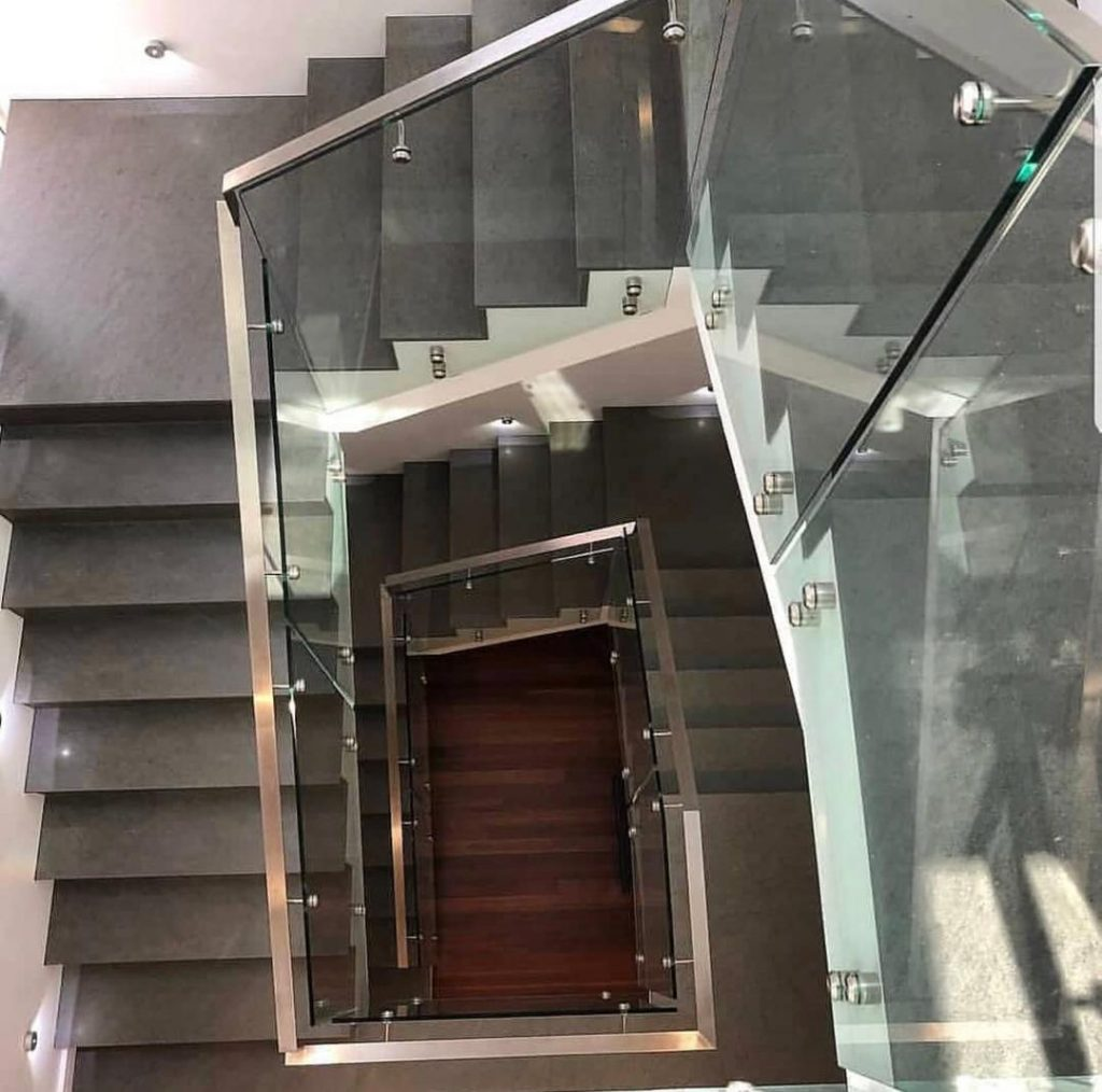 سنگ بازالت ماکو در پله